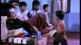 Small boy dancing - Rajini movie Tamil [WhatzApp India]