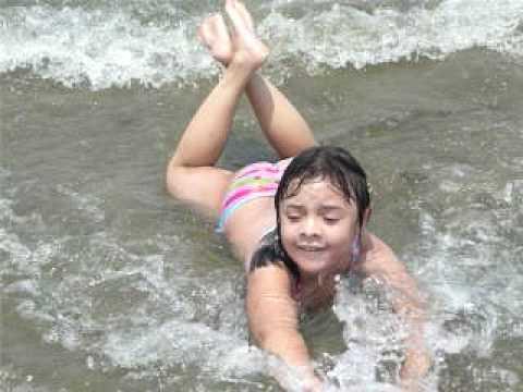 Larissa na praia.mov