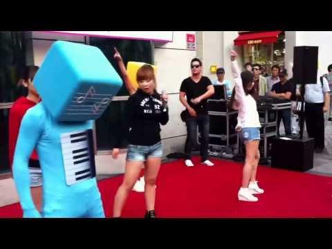 Xxx Mp4 Street Performance In Gangnam South Korea 3gp Sex