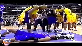 Shaquille O'NEAL Big Foul on Vince CARTER!