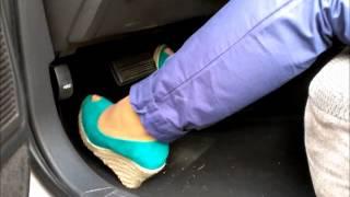 Pedalpumping Chrysler Convertible with Peeptoes