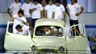 ¿Cuántas personas caben en el Fiat 600?   Sábado Gigante
