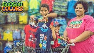GOO GOO GAGA HELP MOM PRETEND PLAY CLOTHES SHOPPING AT WALMART!