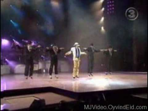 Mickael Jackson Smooth criminal Live