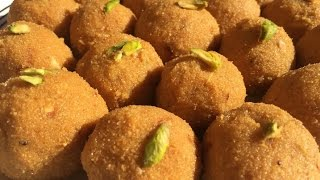 Besan Ladoo Recipe in Hindi with English subtitles-How to make besan ladoo-Traditional Indian sweet