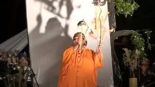 Aksi unik dalang Slamet gundono di purwakarta
