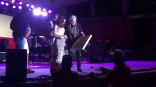 Willie Nelson In Simsbury, CT 08/22/2015, Front Row. Fan Jumps On Stage.
