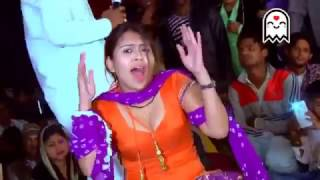 Punjabi mujra hot dance by homely girl - nice cleavage show - shakes ass like hell