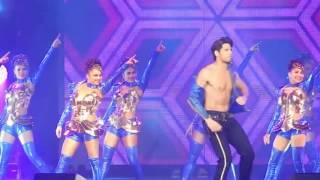 Sidharth Malhotra Individual Performance Dream Team Concert HD