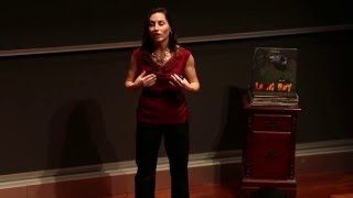 How to introduce yourself like a leader | Laura Sicola (Key Point)