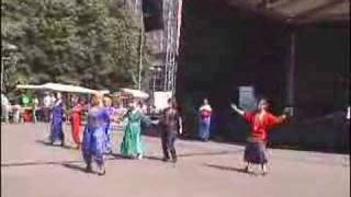 Israeli Dance Dror Yikra