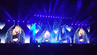 Ellie Goulding at Coachella 2016 - Outside