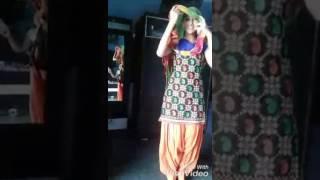 Sapna choudhary ke fan ka Hot  dance