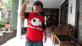 Heboooh anak kecil joget dangdut sunda Bolokotono Dewi Azkiya