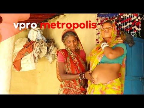 Praying for a boy in Nepal - vpro Metropolis