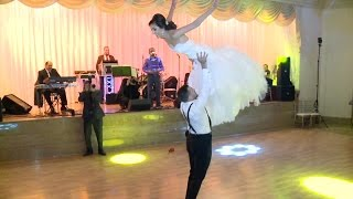 PERFECT Dirty Dancing wedding dance!!! MUST WATCH!