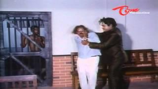 Telugu Comedy Scene Between Kota - Suttivelu - NavvulaTV
