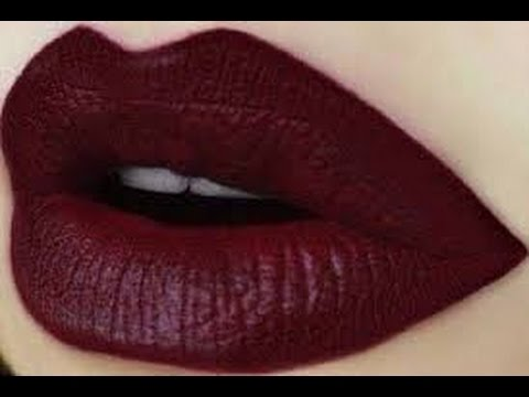 Dark Lips Series: How to put a dark red lipstick