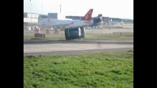 Car gets blown away by Boeing 747