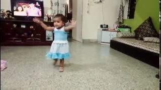 Zingat dance by Anushka kharge by a small baby