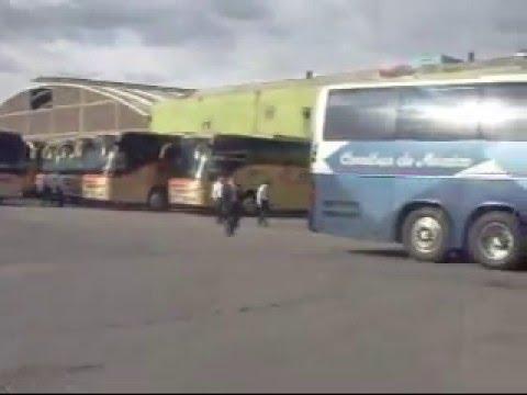 Autobuses Saliendo De La Terminal Del Norte