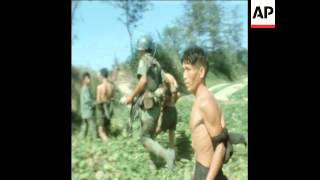 SYND 13-5-69 VIETCONG PRISONERS ARE BEATEN BY SOUTH VIET TROOPS