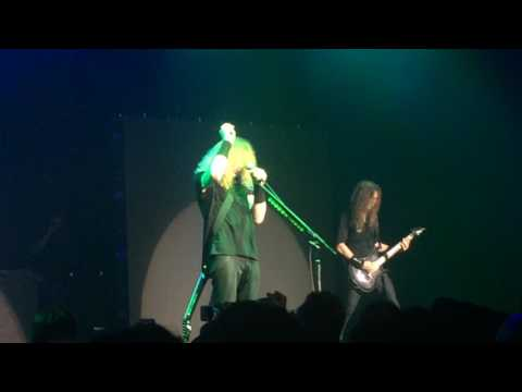Megadeth and Dave Mustaine pay tribute to Chris Cornell in Tokyo Japan 18 05 17