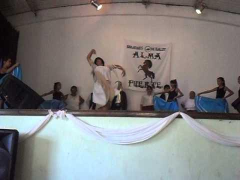 las chicas del ballet alma fuerte bailando la telecita con dani