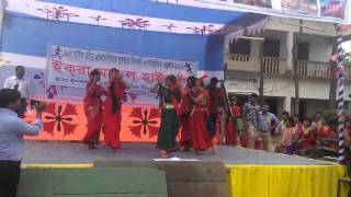 Dance with Lal sobujer bijoy nishan hate hate uriye dao by Iqra students