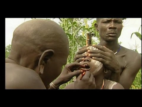 Tribe ritual: Mursi, lip plate (chapter 1)