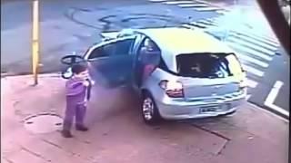 اغرب حادث شهدها التاريخ مرعب عنيف +Car accident 18