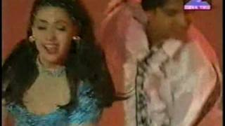 Shah Rukh Khan & Juhi Chawla Performance