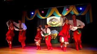 Veselka performing Hopak