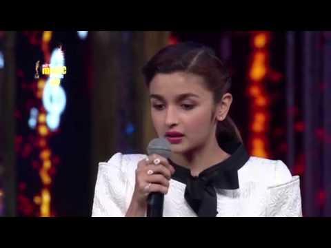 Alia Bhatt sings