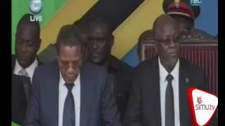 Wanafunzi udsm wamfurahiya waziri ndalichako