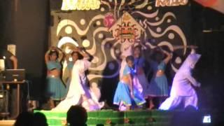 COMUNIDAS HINDU SHOW INDIA DANCE    Barsore  peli GURU