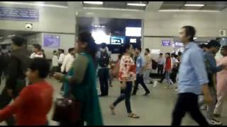 Only 18+ see this video Blue film play at rajiv chownk station
