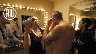 Robbie Williams | Vloggie Williams Episode #74 - What Happens In The Quick Change?