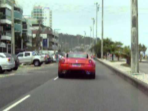 101 6195.mov Ferrari na Barra da Tijuca