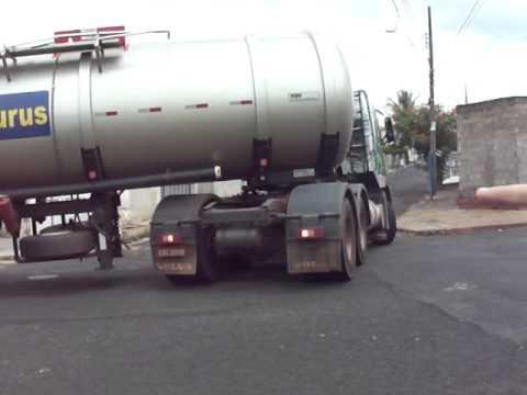 Manobra carreta tanque