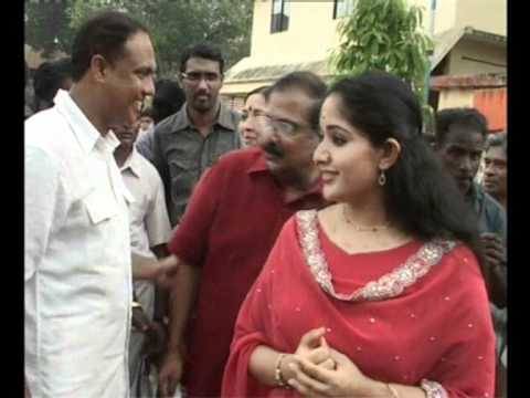 Kavya Madhavan disappointed unable to vote.wmv