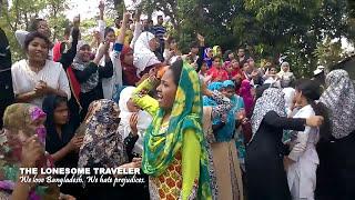Reisen in Bangladesch. Eine Mädchen-Straßenblockade!