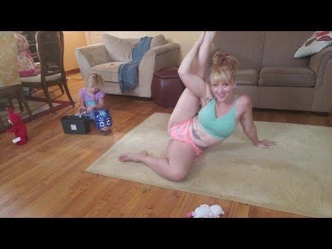 Xxx Mp4 Mom S Yoga Workout Happy 3gp Sex