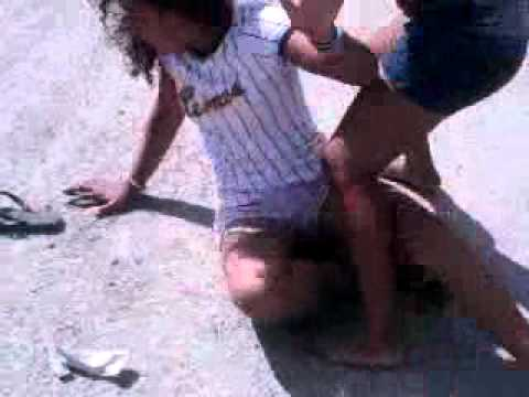 pelea de mujeres en araguita 4