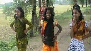 গ্রাম বাংলার নাচনেওয়ালিদের নাচ বৃষ্টি পড়ে টাপুর টুপুর real video bristy pore tapur tupur