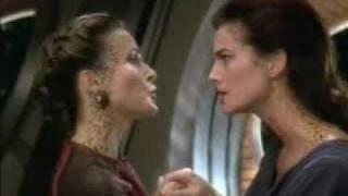 Deep Space Nine: Dax & Lenara kiss