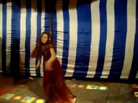 Awesome Bhabhi Dance masti