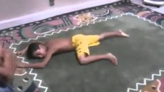 must watch kid fighting ....bangla.mp4