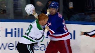 Gotta See It: Kreider uses Eakin's helmet as weapon during their tilt