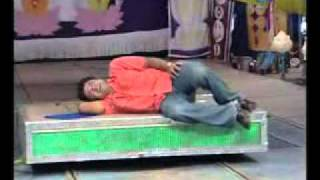 Oriya Yatra song- Hasuchi Alapa Kanduchhi Besi.mpg